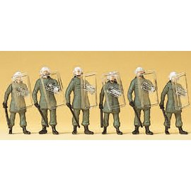 Preiser BGS Operation suit, wit accessories, defence position Germany, 6 pieces kit, scale H0