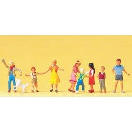 Preiser Children playing, 8 pieces kit, scale H0
