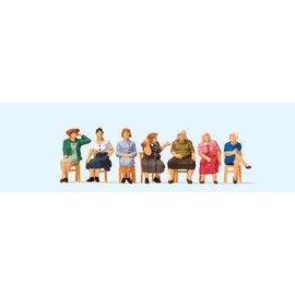 Preiser Sitzende Frauen wartend mit Stühlen, Satz von 6, Spur H0