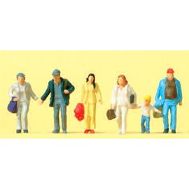Preiser Walking passers-by, 6 pieces kit, scale H0