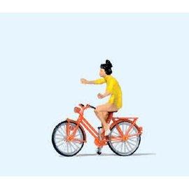 Preiser Met losse handen fietsend meisje, 1 figuur, Schaal H0