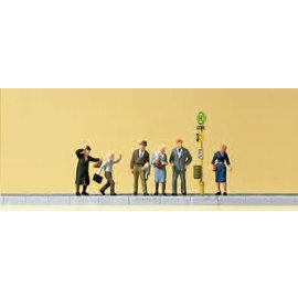 Preiser Waiting persons at the tram stop, 6 figures, scale N