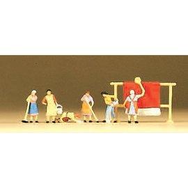 Preiser Housewives, 6 figures, scale N