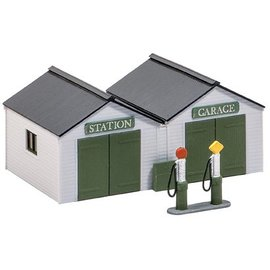 Wills Wills Scenic Series SS12 station garage with pumps (Gauge H0/00)