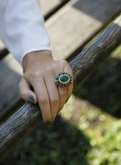 Bohemian statement ring met groene strass stenen