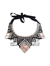 Classy statement necklace with rhinestones