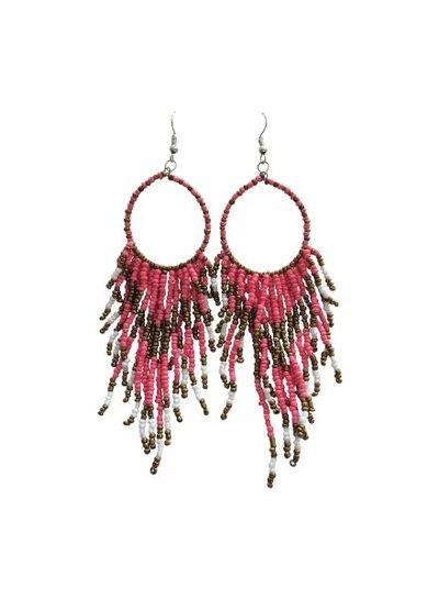 Lange boho chique statement oorbellen roze
