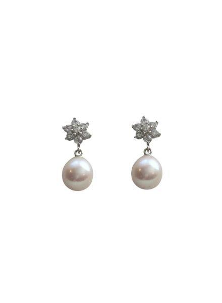 Elegant pearl statement earrings