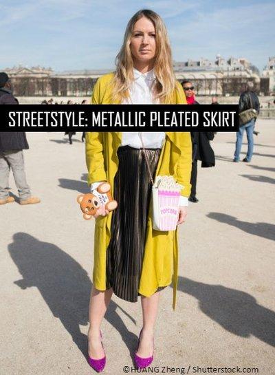Streetstyle: metallic plooirok