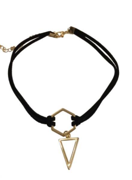 Minimalistic statement choker necklace triangle