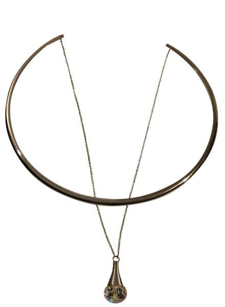 Silver colored minimalist chic statement choker necklace with stone