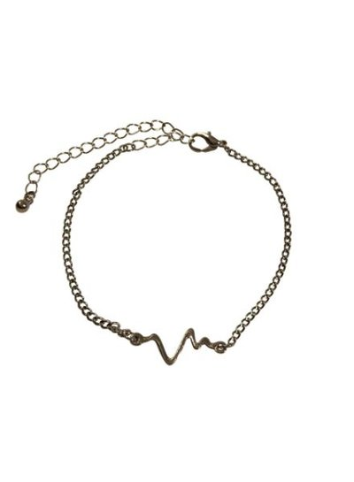 Minimalistic statement bracelet with heartbeat silver colored