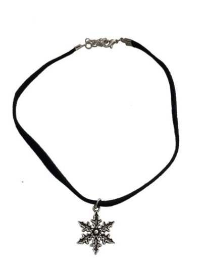 Minimalistic statement choker necklace with snow flake
