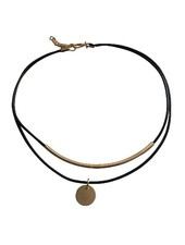 Minimalistic statement choker necklace with gold colored accent
