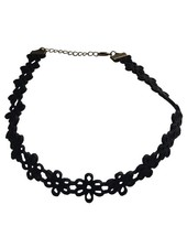 Cool flowery statement choker necklace