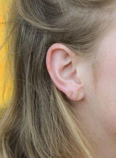 Minimalistische statement oorbellen staafjes XS zilverkleurig