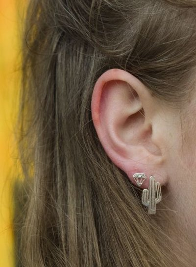 Minimalistische statement oorbellen cactus rosé goudkleurig