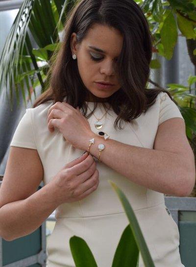 Minimalist chic marble statement cuff armband rond zwart-wit