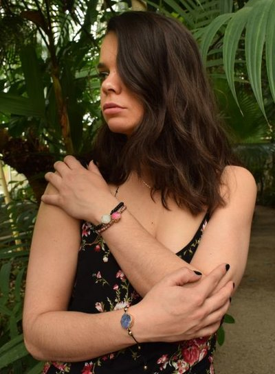 Minimalistische natuursteen statement armband roze