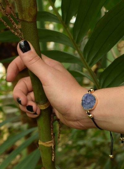 Minimalistische natuursteen statement armband paars