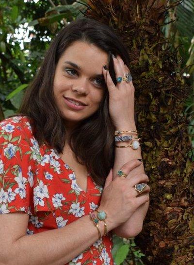 Minimalist chic natuursteen statement armband groen