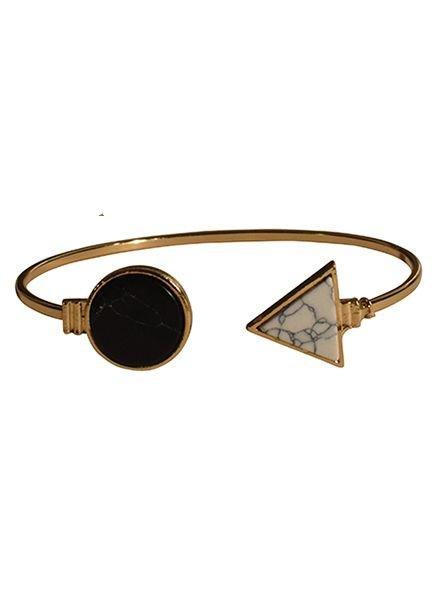 Minimalist chic marble statement cuff bracelet round black-white