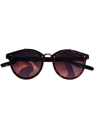 Vintage urban sunglasses with pink lenses