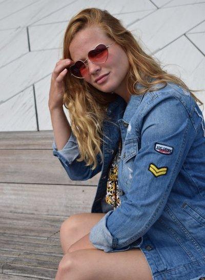 Trendy hartjes zonnebril rood
