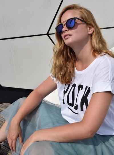 Unieke urban rock zonnebril met edgy blauwe glazen