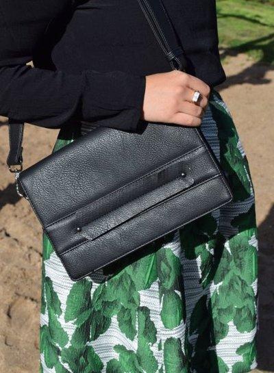 Coole crossbody tas met veer zwart