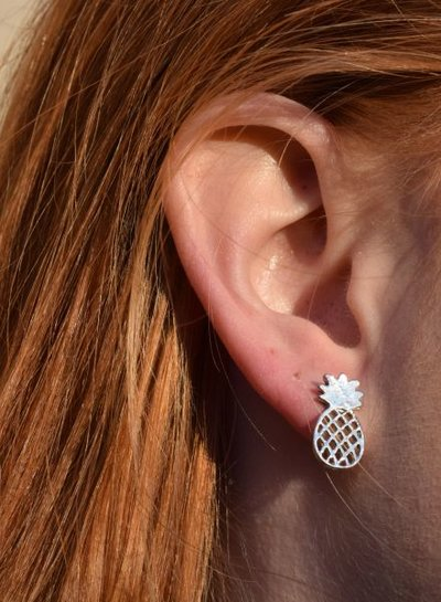 Minimalistic statement earrings pineapple silver colored