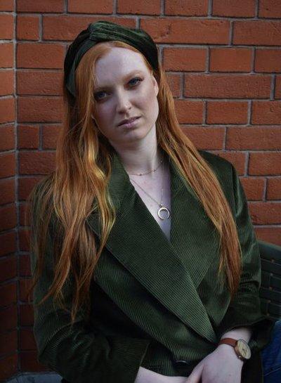 Trendy fluwelen haarband rood