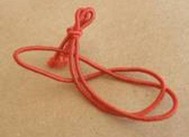 Geknoopt elastiek