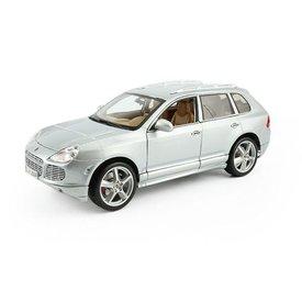 Maisto Modelauto Porsche Cayenne Turbo zilver 1:18 | Maisto