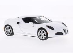 Producten getagd met Alfa Romeo 4C schaalmodel