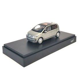 Schuco Modellauto Volkswagen VW Up! 5-Türer silber 1:43 | Schuco