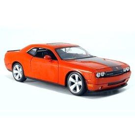 Maisto Model car Dodge Challenger SRT8 2008 orange 1:24 | Maisto