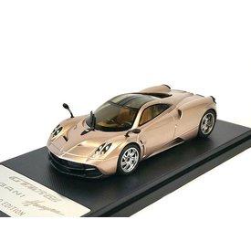 Welly Modelauto Pagani Huayra 2013 goud 1:43 | Welly GTA