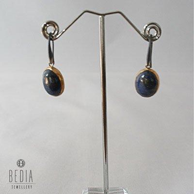 Blauw ovale oorbellen