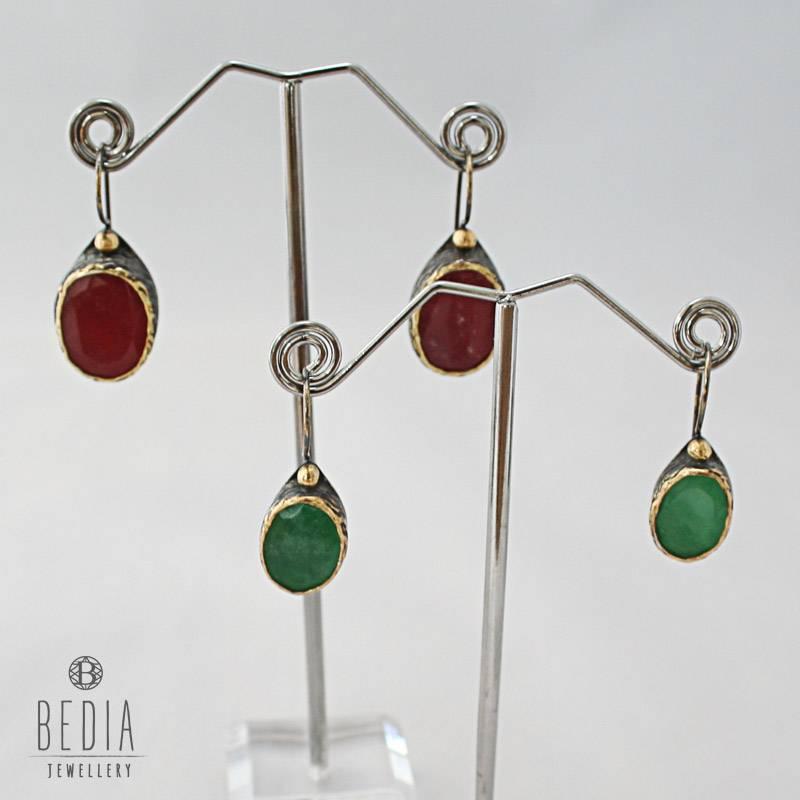 Oorbellen rood jade