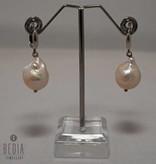 "Earrings "" Creme pearl "" silver"