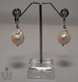 "Earrings "" Creme pearl "" silver"