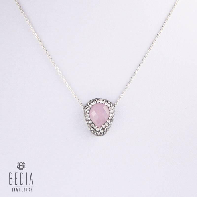 Zilveren ketting met een rooskleurig steentje