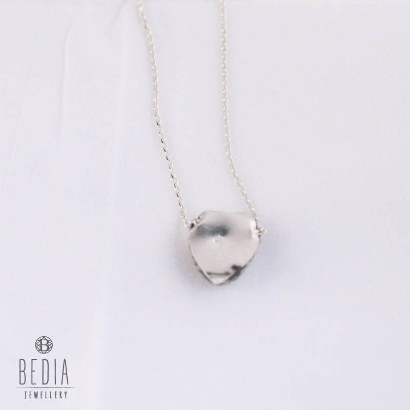 Zilveren ketting met zeegroene steentje