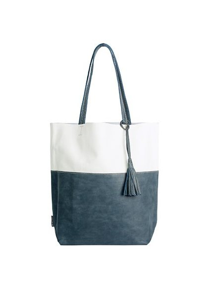 Caught by Eef Grace's Ocean Wave Shopper