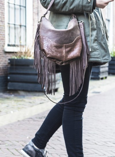 Caught by Eef Black Leather Handbag | Jackie's Dolce Mudcrack