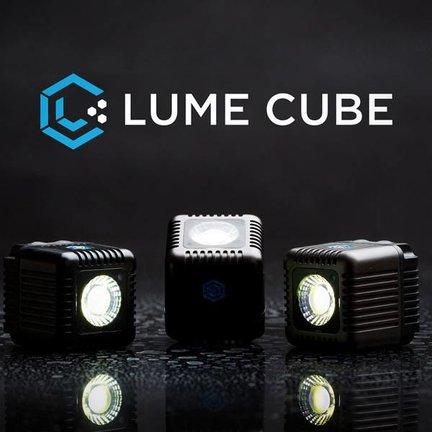 Lume cube smartphone flitsers