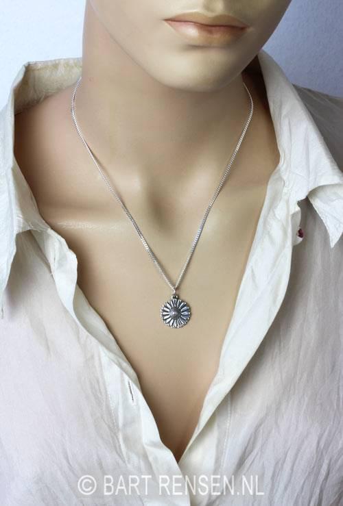 Daisy pendant - silver 925