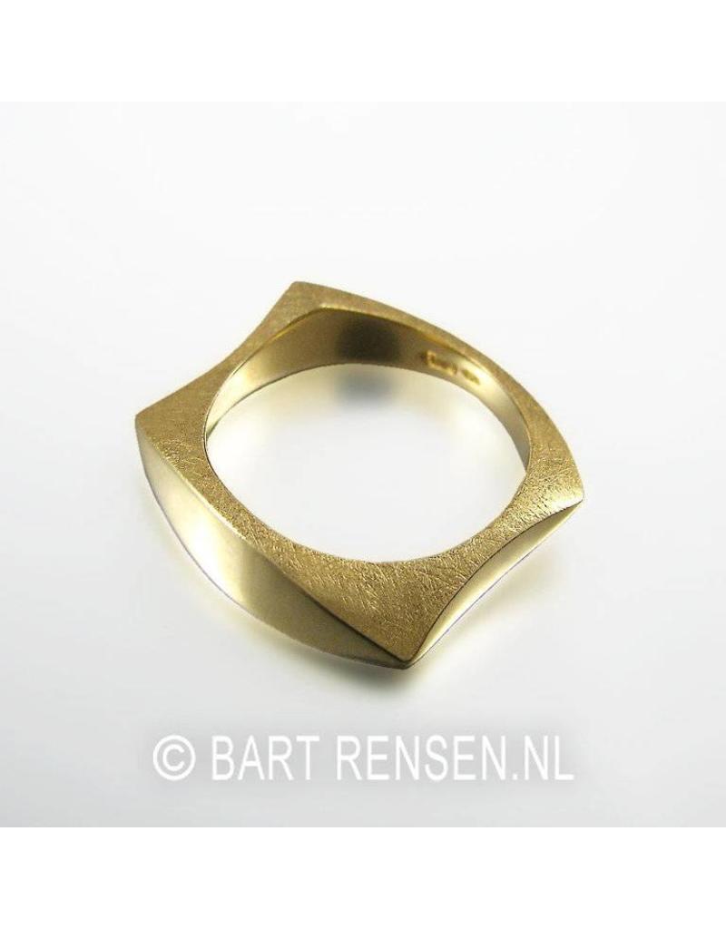 Ring - 14 carat gold