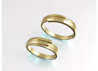 Weddingrings in gold en silver.